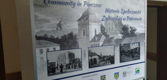 """Wystawa """"Historia Społeczności Żydowskiej w Pińczowie"""""""
